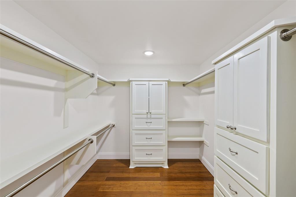 418 Montreal Avenue, Dallas, Texas 75208 - acquisto real estate best realtor foreclosure real estate mike shepeherd walnut grove realtor