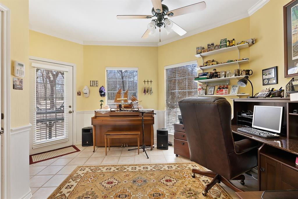 14222 Ridge Circle, Arp, Texas 75750 - acquisto real estate best realtor foreclosure real estate mike shepeherd walnut grove realtor