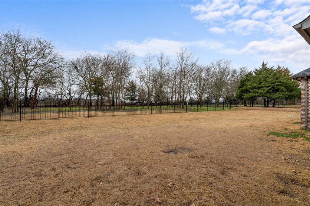 4482 Lake Breeze Drive, McKinney, Texas 75071 - acquisto real estate best looking realtor in america shana acquisto