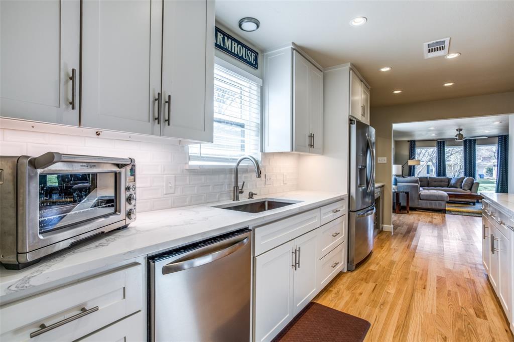 8474 Swift  Avenue, Dallas, Texas 75228 - acquisto real estate best style realtor kim miller best real estate reviews dfw