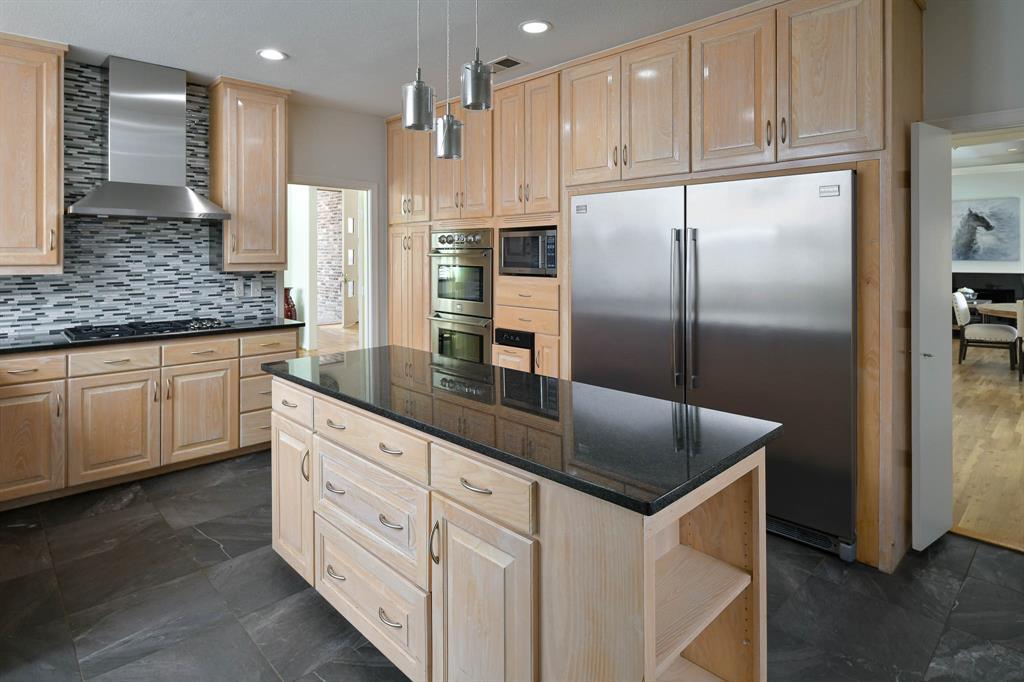 16208 Ranchita Drive, Dallas, Texas 75248 - acquisto real estate best realtor foreclosure real estate mike shepeherd walnut grove realtor