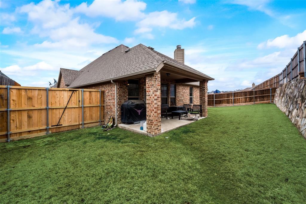 9704 Mullins Crossing Drive, Fort Worth, Texas 76126 - acquisto real estate best negotiating realtor linda miller declutter realtor