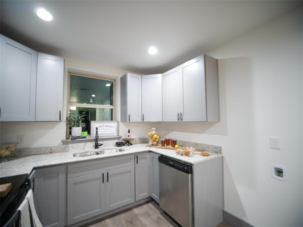 4506 Pickett Street, Greenville, Texas 75401 - acquisto real estate best prosper realtor susan cancemi windfarms realtor