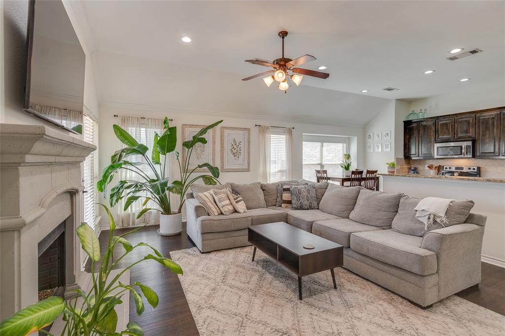 11636 Netleaf Lane, Fort Worth, Texas 76244 - acquisto real estate best celina realtor logan lawrence best dressed realtor