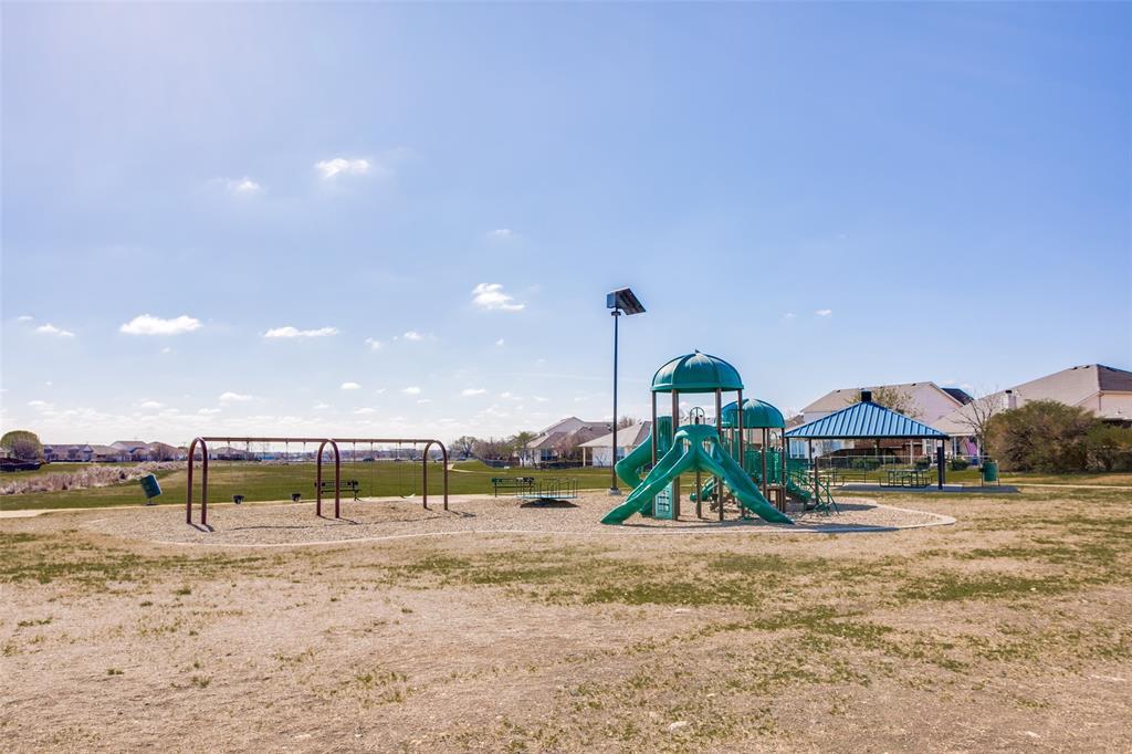 528 Winbridge Lane, Fort Worth, Texas 76052 - acquisto real estate best realtor dfw jody daley liberty high school realtor