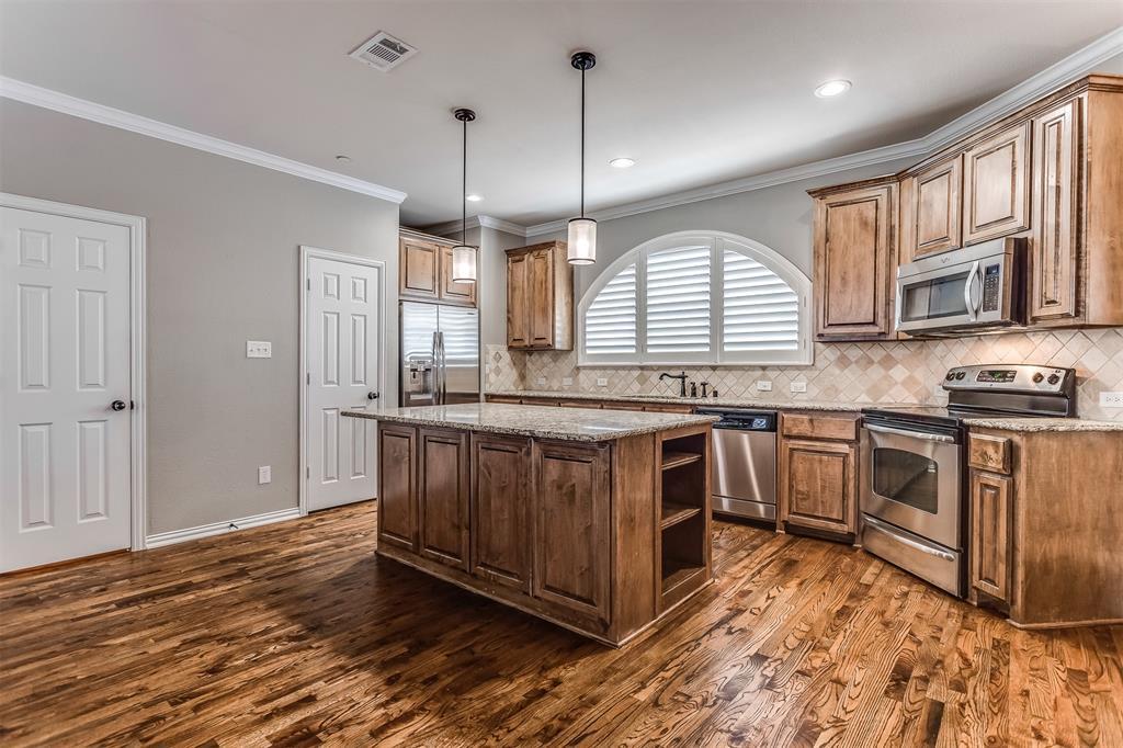 2700 Club Ridge  Drive, Lewisville, Texas 75067 - acquisto real estate best celina realtor logan lawrence best dressed realtor