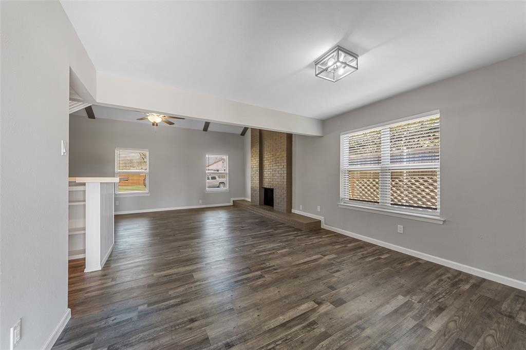 2412 Via Bonita  Carrollton, Texas 75006 - acquisto real estate best real estate company in frisco texas real estate showings