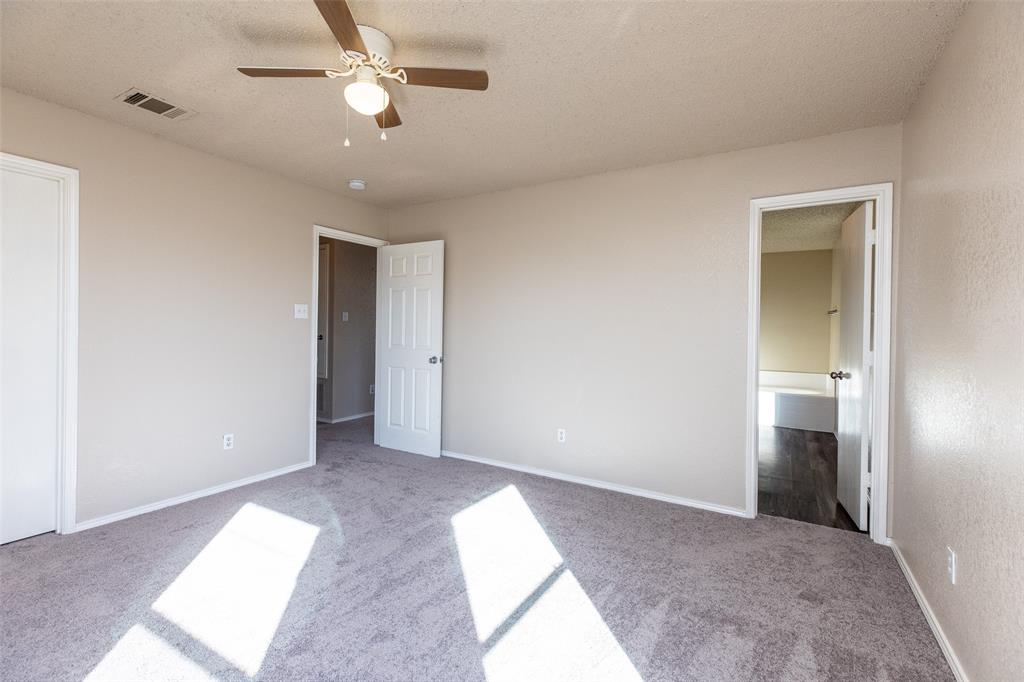 1820 Vineridge Lane, Burleson, Texas 76028 - acquisto real estate best photos for luxury listings amy gasperini quick sale real estate