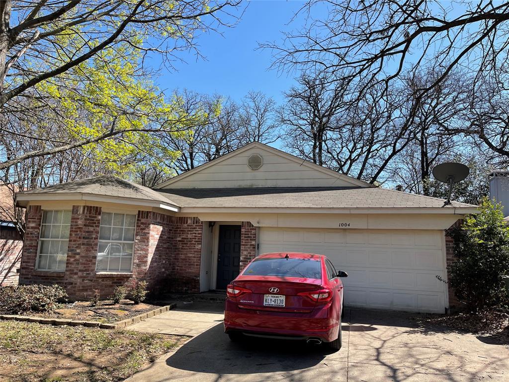 1004 Lovers Lane, Arlington, Texas 76013 - Acquisto Real Estate best plano realtor mike Shepherd home owners association expert