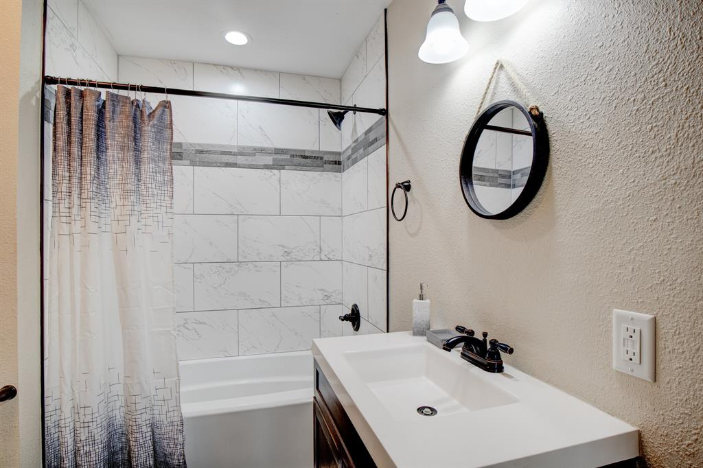100 Mccrae  Lane, Boyd, Texas 76023 - acquisto real estate best listing agent in the nation shana acquisto estate realtor