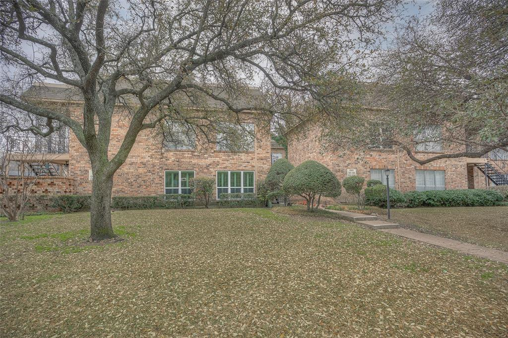 4343 Bellaire Drive, Fort Worth, Texas 76109 - Acquisto Real Estate best plano realtor mike Shepherd home owners association expert