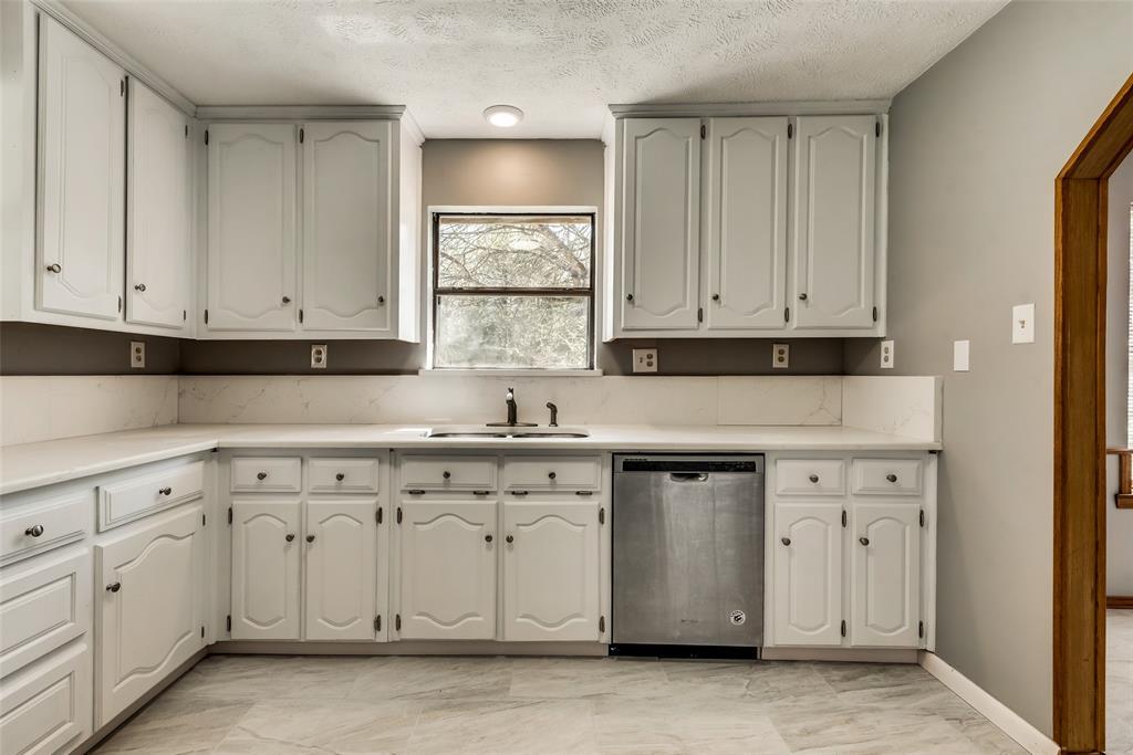 1690 Easy  Street, Seagoville, Texas 75159 - acquisto real estate best designer and realtor hannah ewing kind realtor
