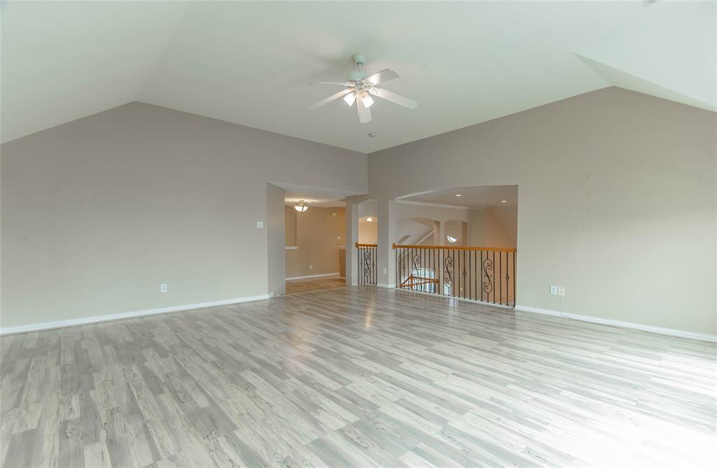 529 Salisbury Drive, Grand Prairie, Texas 75052 - acquisto real estate best realtor foreclosure real estate mike shepeherd walnut grove realtor