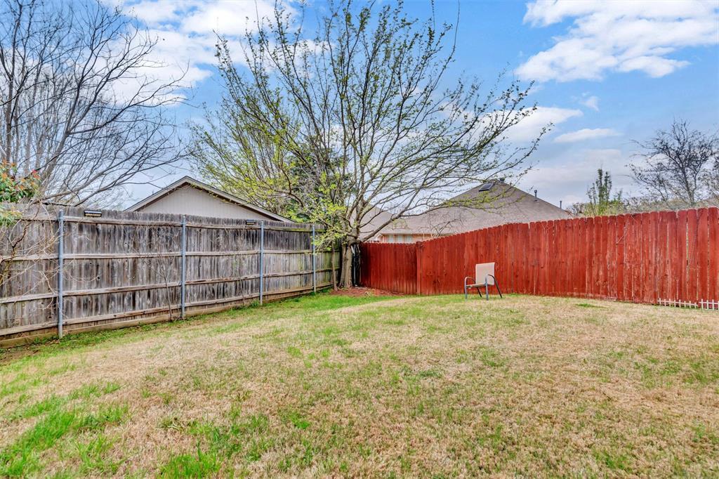 1811 Swaim Court, Arlington, Texas 76001 - acquisto real estate best park cities realtor kim miller best staging agent