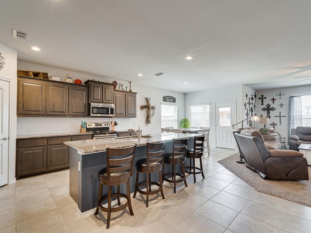 1725 Cross Creek Lane, Cleburne, Texas 76033 - acquisto real estate best highland park realtor amy gasperini fast real estate service