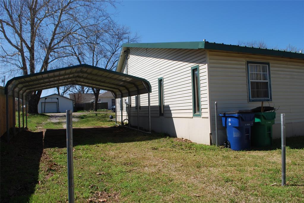 202 McFall Street, Whitesboro, Texas 76273 - acquisto real estate best the colony realtor linda miller the bridges real estate