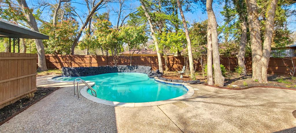 811 Red Bird Lane, Dallas, Texas 75232 - acquisto real estate best plano real estate agent mike shepherd