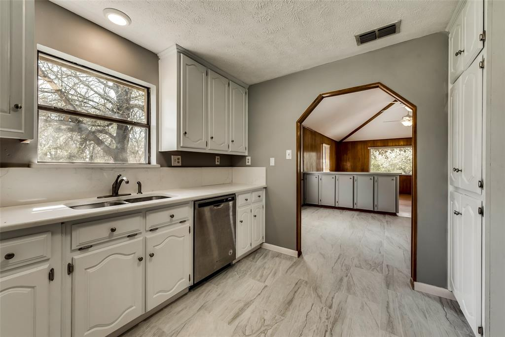 1690 Easy  Street, Seagoville, Texas 75159 - acquisto real estate best photos for luxury listings amy gasperini quick sale real estate