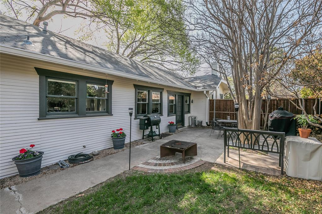 5136 Collinwood Avenue, Fort Worth, Texas 76107 - acquisto real estate best looking realtor in america shana acquisto