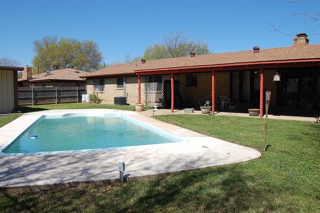 1211 Cindy Lane, Cleburne, Texas 76033 - acquisto real estate best realtor dfw jody daley liberty high school realtor