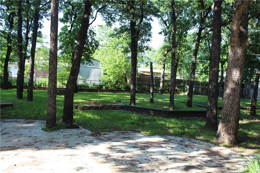 732 Briarwood Lane, Hurst, Texas 76053 - acquisto real estate best plano real estate agent mike shepherd
