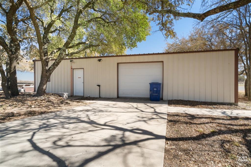 312 Lori Lane, Brownwood, Texas 76801 - acquisto real estate best plano real estate agent mike shepherd