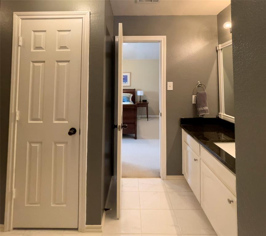 3847 Stockton Lane, Dallas, Texas 75287 - acquisto real estate best realtor foreclosure real estate mike shepeherd walnut grove realtor
