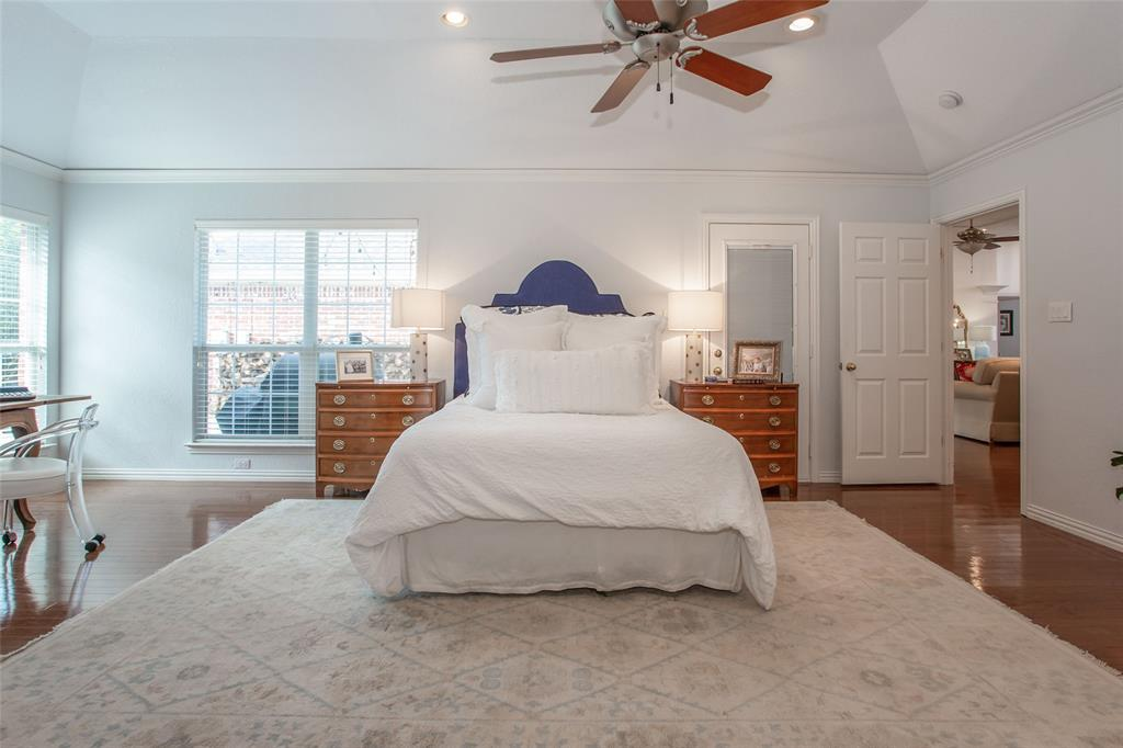 4400 Lost Creek Boulevard, Fort Worth, Texas 76008 - acquisto real estate best realtor westlake susan cancemi kind realtor of the year