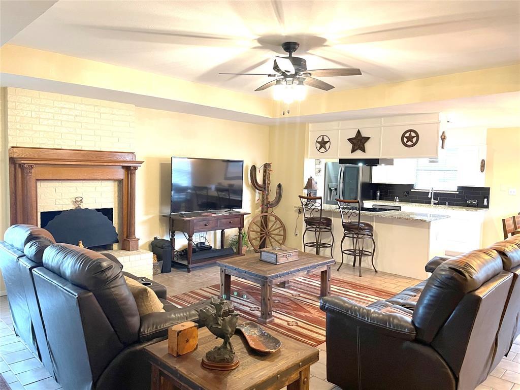 9657 Lea Shore Street, Fort Worth, Texas 76179 - acquisto real estate best prosper realtor susan cancemi windfarms realtor
