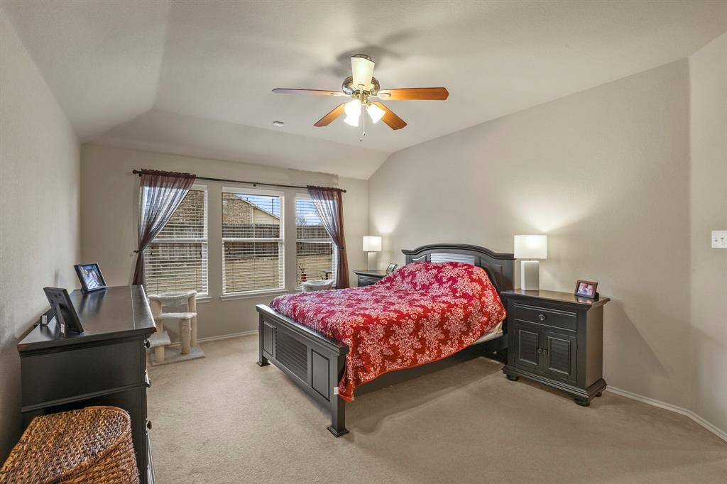 5040 Diamond Peak Court, McKinney, Texas 75071 - acquisto real estate best realtor dallas texas linda miller agent for cultural buyers