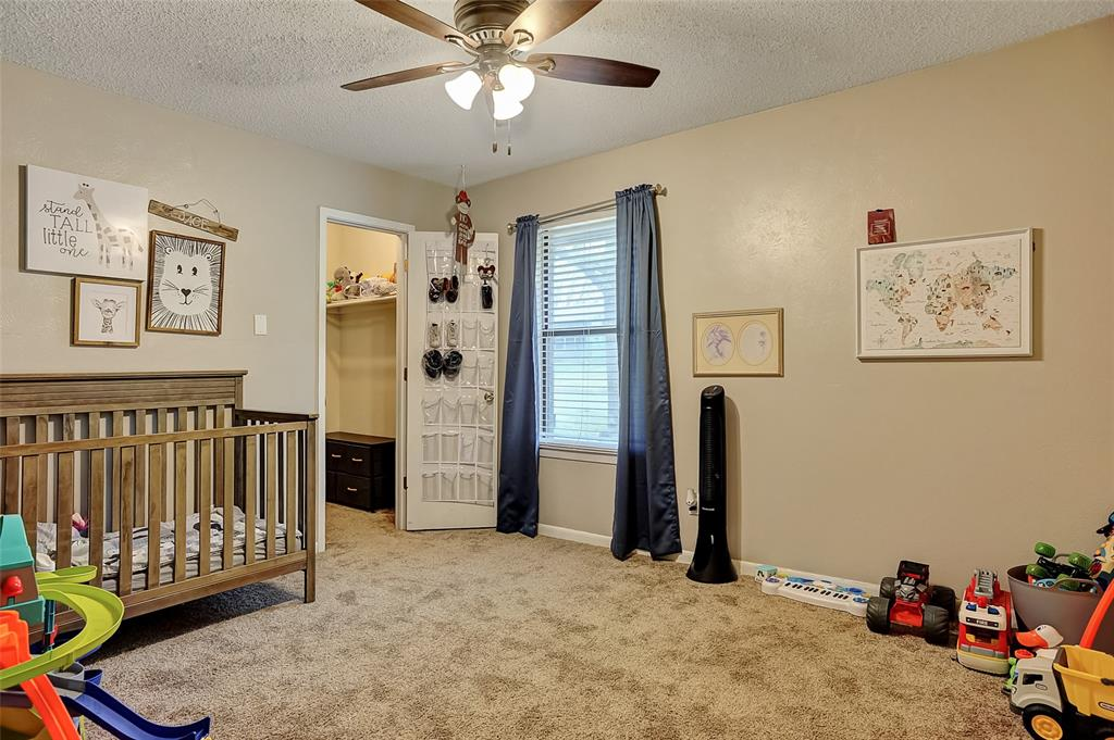 2621 Elm  Street, Denison, Texas 75020 - acquisto real estate best photos for luxury listings amy gasperini quick sale real estate