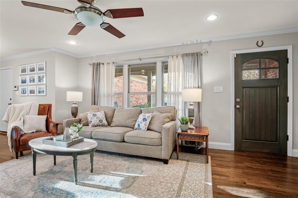 11232 Lanewood Circle, Dallas, Texas 75218 - acquisto real estate best highland park realtor amy gasperini fast real estate service