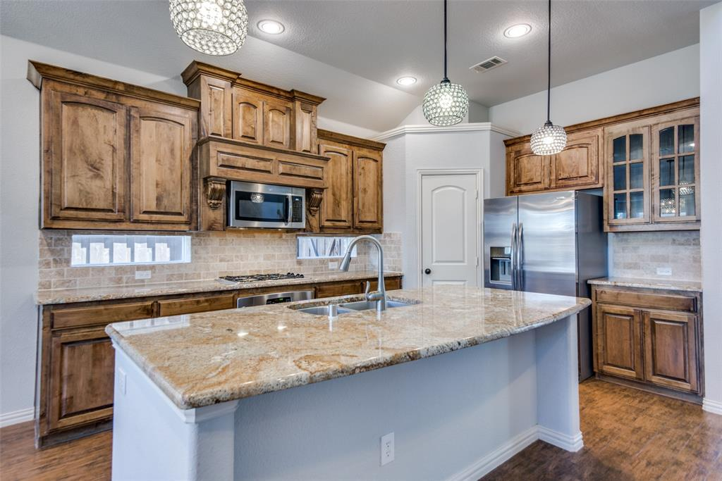 1054 Fossil Lake Dr Frisco, Texas 75036 - acquisto real estate best real estate company to work for