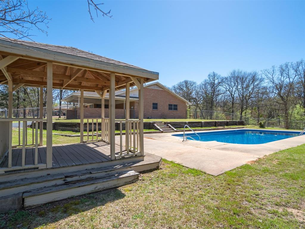725 Tanglewood Street, Canton, Texas 75103 - acquisto real estate best looking realtor in america shana acquisto