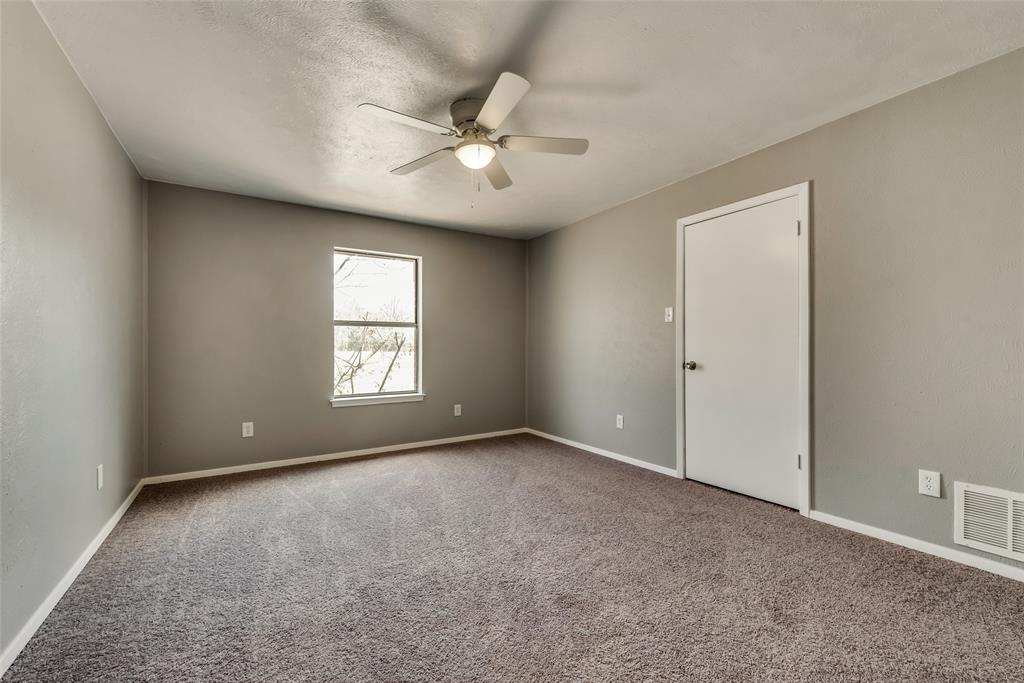 1690 Easy  Street, Seagoville, Texas 75159 - acquisto real estate best realtor foreclosure real estate mike shepeherd walnut grove realtor