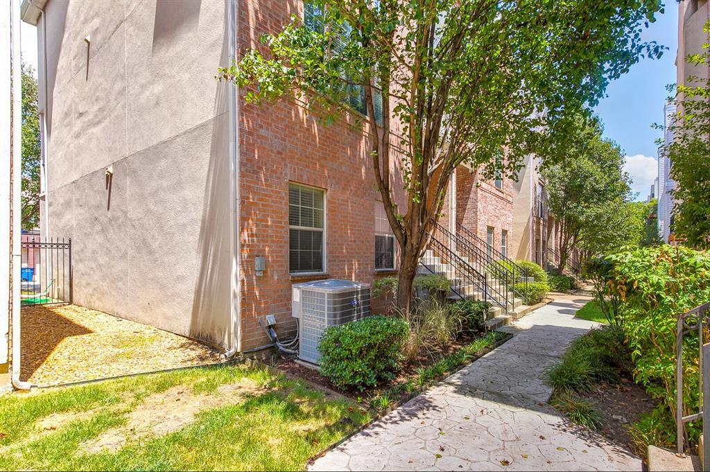 5800 La Vista Drive, Dallas, Texas 75206 - acquisto real estate best plano real estate agent mike shepherd