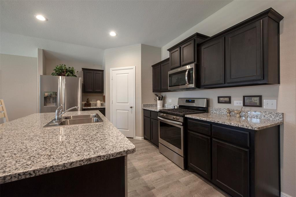 2200 Denmark Lane, Fort Worth, Texas 76108 - acquisto real estate best designer and realtor hannah ewing kind realtor