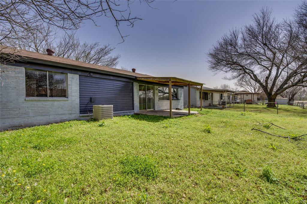 2213 Biscayne Drive, Irving, Texas 75060 - acquisto real estate agent of the year mike shepherd