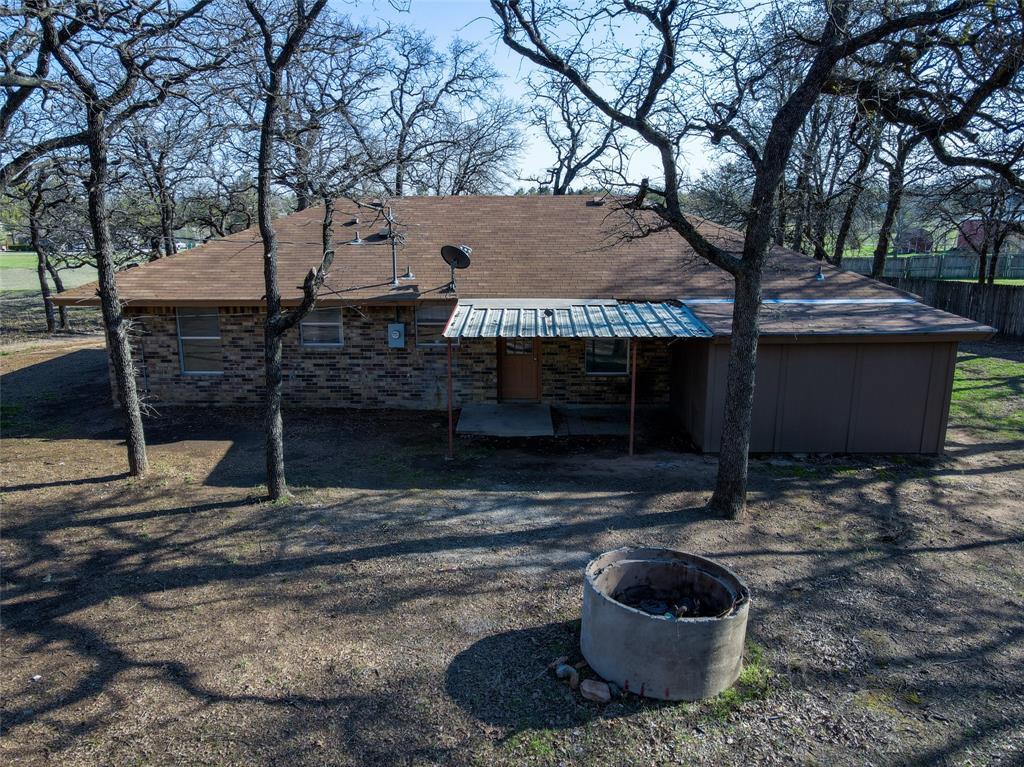 106 Fiesta Court, Chico, Texas 76431 - acquisto real estate best negotiating realtor linda miller declutter realtor