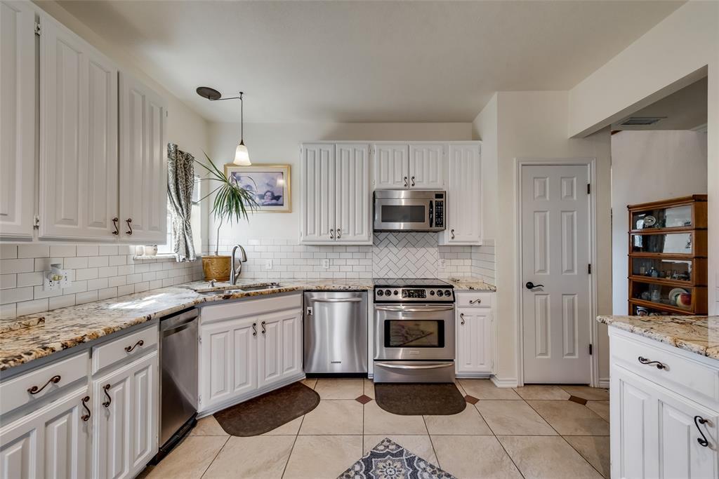 1506 Canterbury Court, Grand Prairie, Texas 75050 - acquisto real estate best style realtor kim miller best real estate reviews dfw