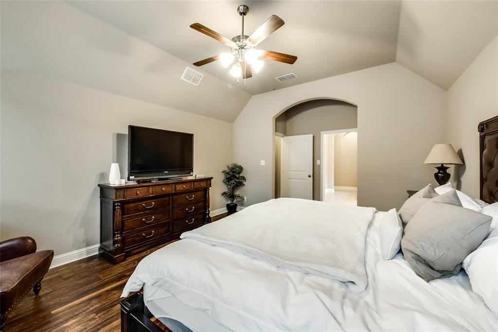 9704 Mullins Crossing Drive, Fort Worth, Texas 76126 - acquisto real estate best frisco real estate agent amy gasperini panther creek realtor