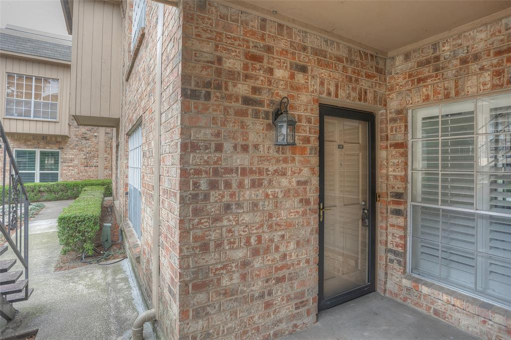 4343 Bellaire Drive, Fort Worth, Texas 76109 - acquisto real estate best the colony realtor linda miller the bridges real estate
