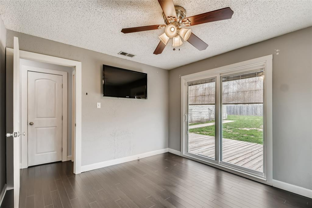 5025 Royal Drive, Fort Worth, Texas 76116 - acquisto real estate best investor home specialist mike shepherd relocation expert