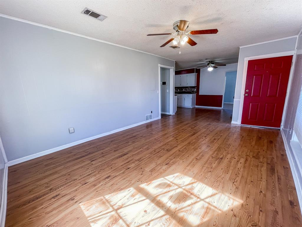 107 N St John St Bogata, Texas 75417 - acquisto real estate best the colony realtor linda miller the bridges real estate