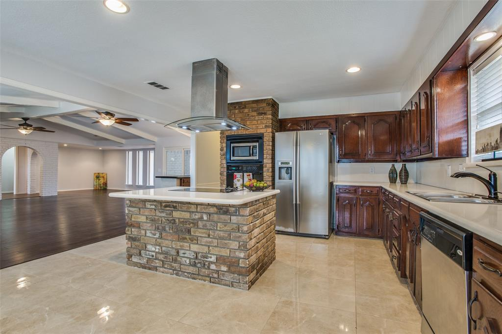 762 Valley Parkway, Lewisville, Texas 75077 - acquisto real estate best real estate company to work for