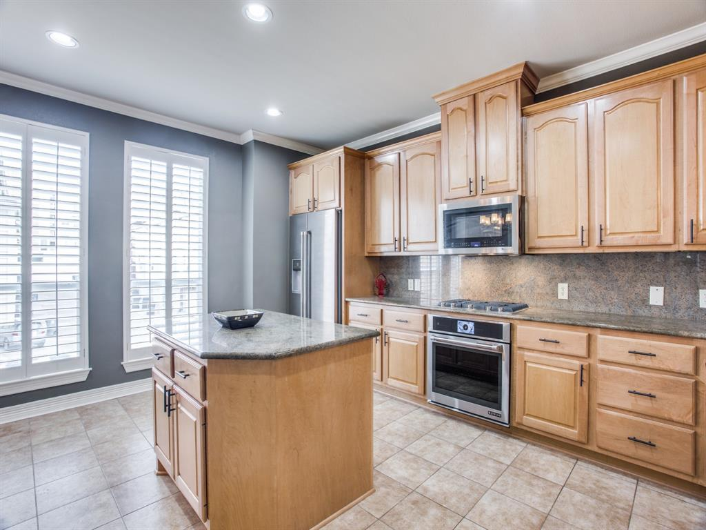 2813 State Street, Dallas, Texas 75204 - acquisto real estate best celina realtor logan lawrence best dressed realtor
