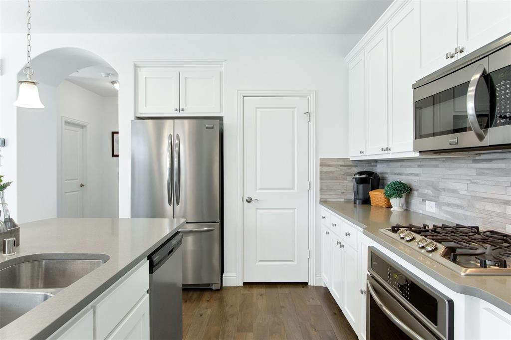 4670 Rhett Lane, Carrollton, Texas 75010 - acquisto real estate best highland park realtor amy gasperini fast real estate service