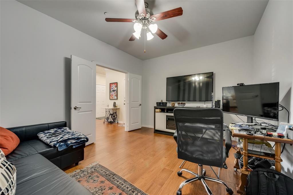 121 Barrington Lane, Lewisville, Texas 75067 - acquisto real estate best new home sales realtor linda miller executor real estate