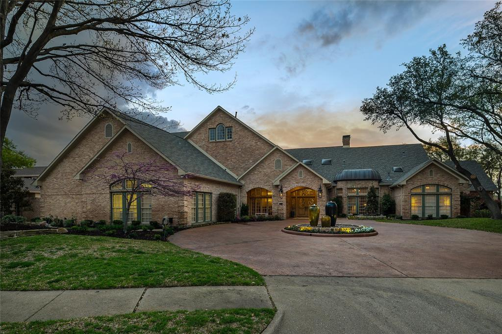 2405 Colonial Drive, Plano, Texas 75093 - acquisto real estate best the colony realtor linda miller the bridges real estate