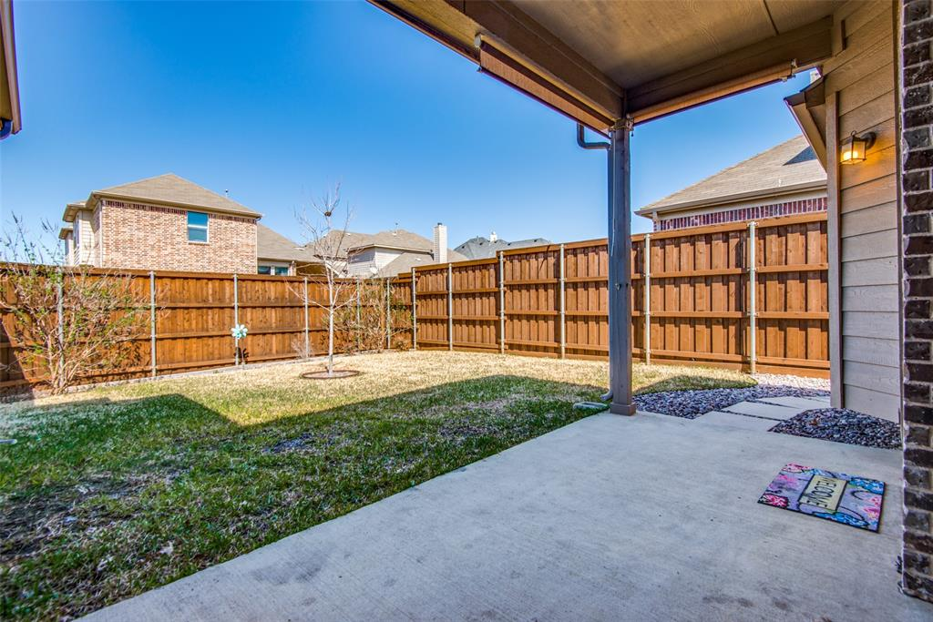 1054 Fossil Lake Dr Frisco, Texas 75036 - acquisto real estate best realtor foreclosure real estate mike shepeherd walnut grove realtor